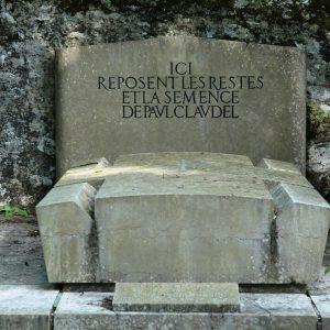 Connaissez-vous le service catholique des funérailles ?