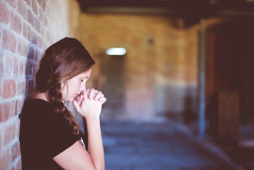 Comment prier Dieu ? (Je viens de perdre un être cher)